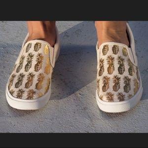 🍍Bucket Feet Metallic Pineapple Canvas Slip Ons🍍